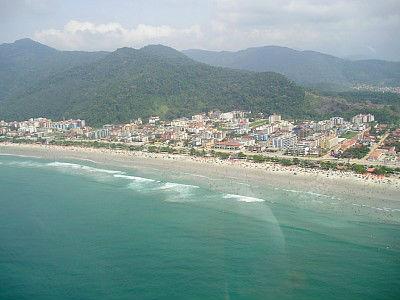 16_Vista Aérea do Mar para Praia Grande